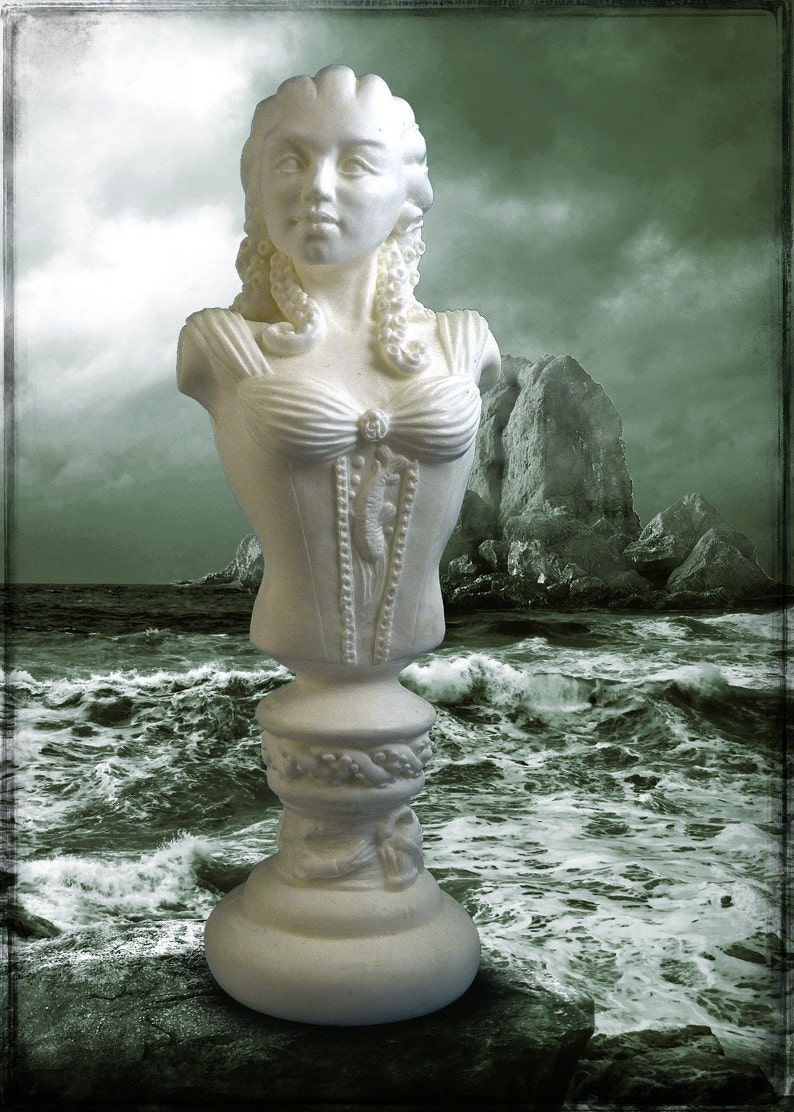Lady of Innsmouth  Cthulhu Mythos Sculpture in White Resin image 0