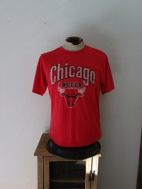 low priced 9fc78 17597 Vintage 90s Chicago Bulls Shirt, Bulls T Shirt, Jordan NBA Basketball Fan -  Women Men XL to Large