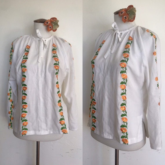 Sweet 70s Embroidered Peasant Blouse