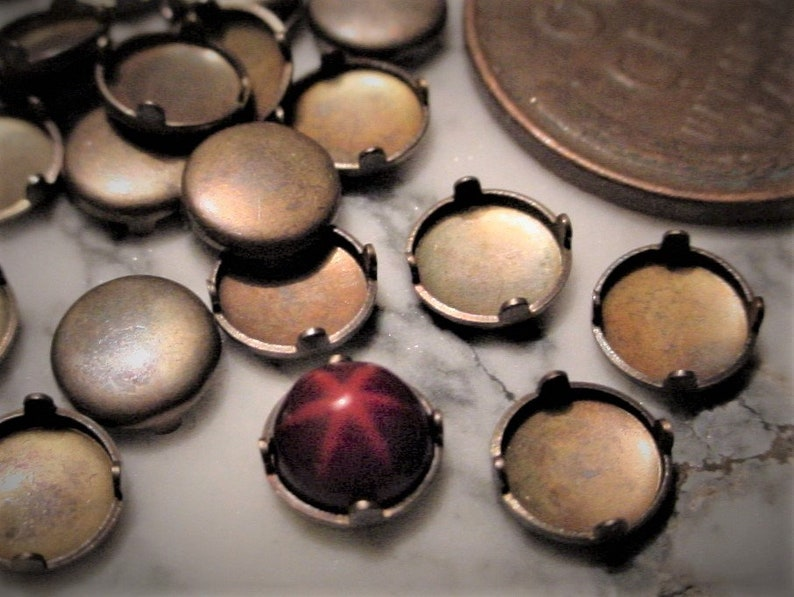 BOGO Lot Rare OLD 5mm Round Star Ruby Garnet Opaque Cabs image 0