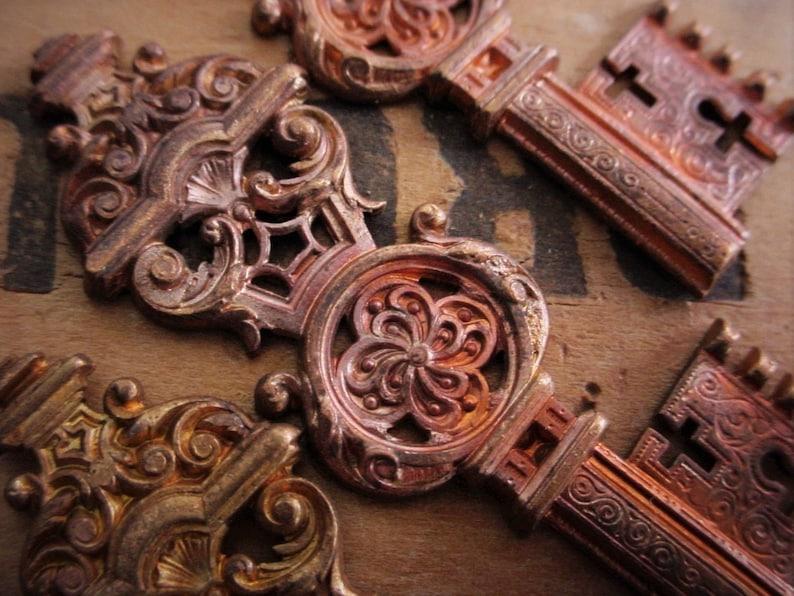 Lot OLD Large Ornate Filigree Skeleton Key Large Gothic Cast image 0