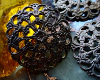 3pc Old 24mm Round Vintage Dapt Filigrees Open Work 1 Inch Fleur De Lis Flower Berry Heart Jewelry Finding Brass Domed Natural Patina 10H