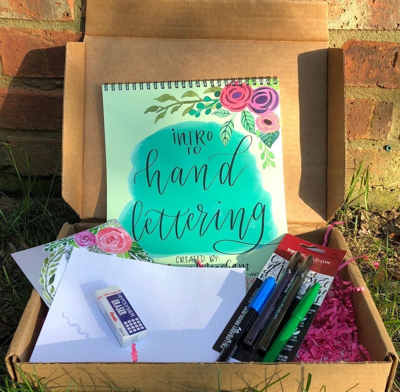 Intro to Handlettering Gift Box set - includes Brush Pens , papers, Spiral  bound Workbook Tutorial and Practice pages
