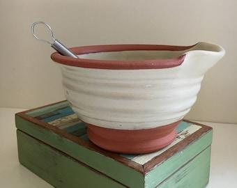 Egg Bowl in Folk Art White