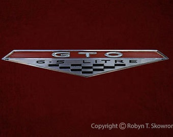 SALE - SALE - Chevrolet GTO Emblem - Framable 5x7 Photography Note Card