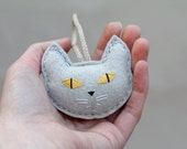 Cat Lady Ornament Cat Head, Felt Christmas Ornament Embroidered, Soft Gray Plush Cat Face, Gift for Cat Owner Handmade by Ordinary Mommy