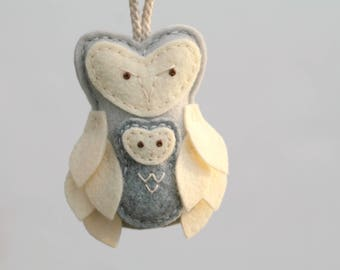 Felt Owl Mother and Baby Ornament Gray. Mother's Love Christmas Ornament. Gift for New Mom. Felt Plush Owl Decor Handmade by OrdinaryMommy
