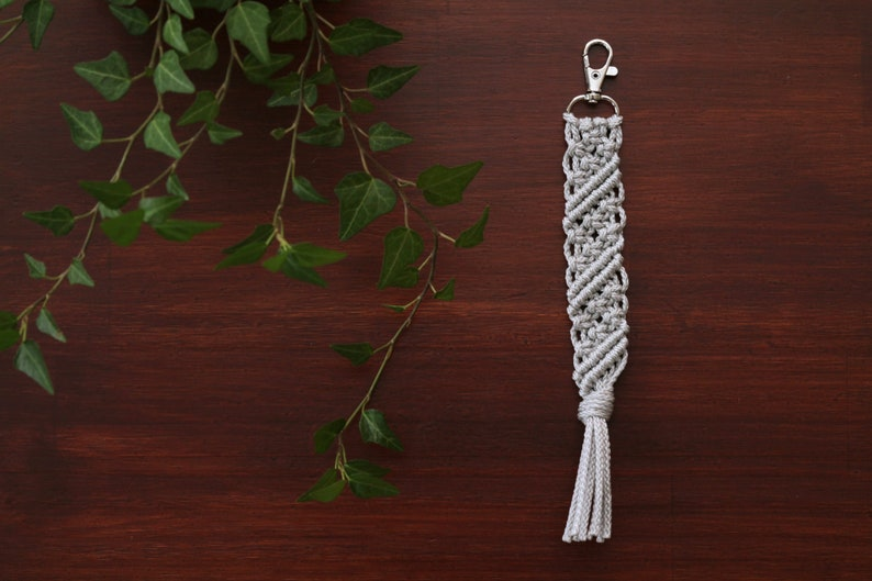 Macrame Zipper Pull. Valentine's Day Gift. Macrame Key image 0