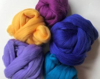 Bundle of Merino Wool Top / Roving, Mixed Colors 5.6, Felting, Feltmaking, Fiber Arts, Nunofelting, Spinning, Sample Pack, Mix, Waldorf