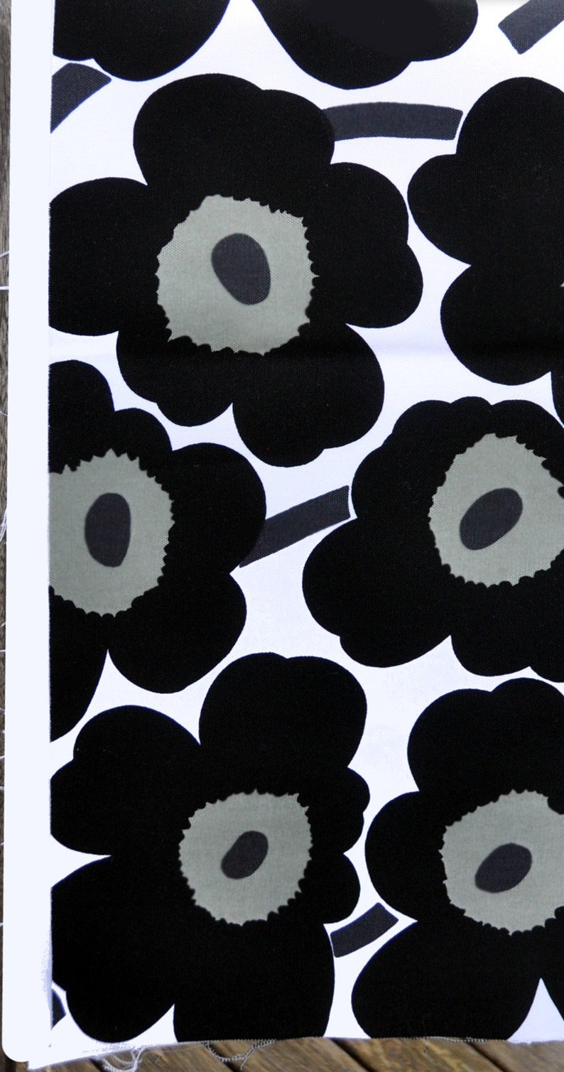Unikko Fabric remnant piece in black and white