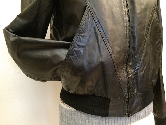 1980's Leather Bomber Jacket with Awesome Pockets!