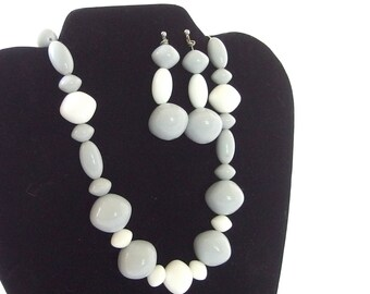 Vintage 1980's Gray and White Chunky Necklace and Earrings
