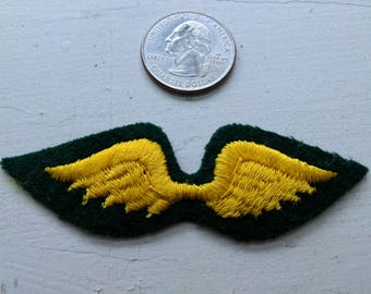Vintage Brownie Girl Scout patch - wings
