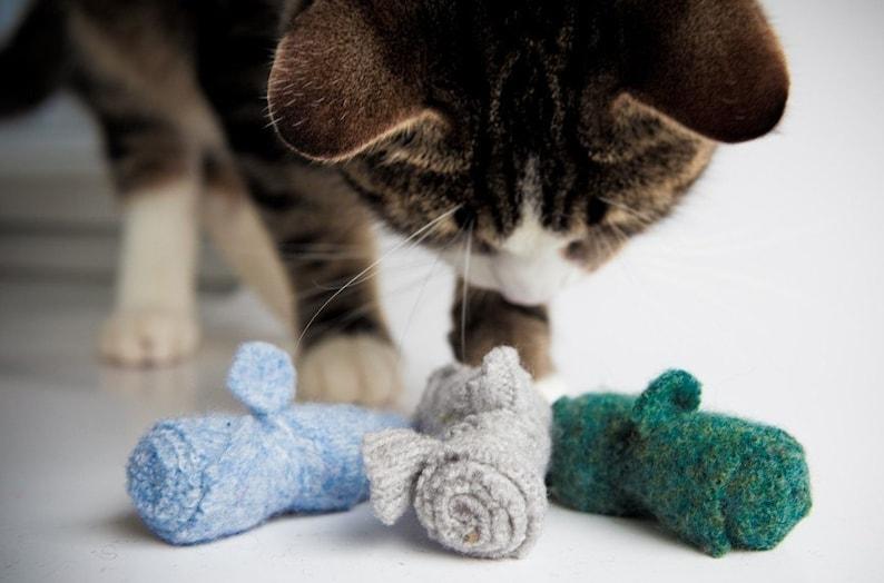 organic cat toys set of three  wool catnip mice multi color image 0