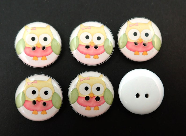 6  Owl buttons Knitting or Crochet. Yellow and Green Owls handmade buttons fpr Sewing Pink