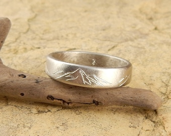 White gold Mountain ring, solid 14k WHITE gold band, 4 mm wide x 1.5 mm thick, engraved mountains. *SIZE Guarantee*