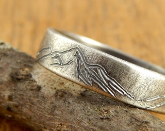 Mountain ring, *5 mm wide* wedding band mountain range, engraved sterling silver, 1.5 mm thick.