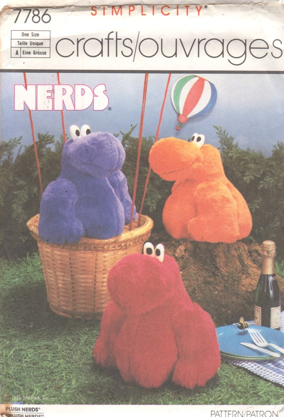 Einfachheit 7786 1980s Plüschtier NERD Nerds lila Candy