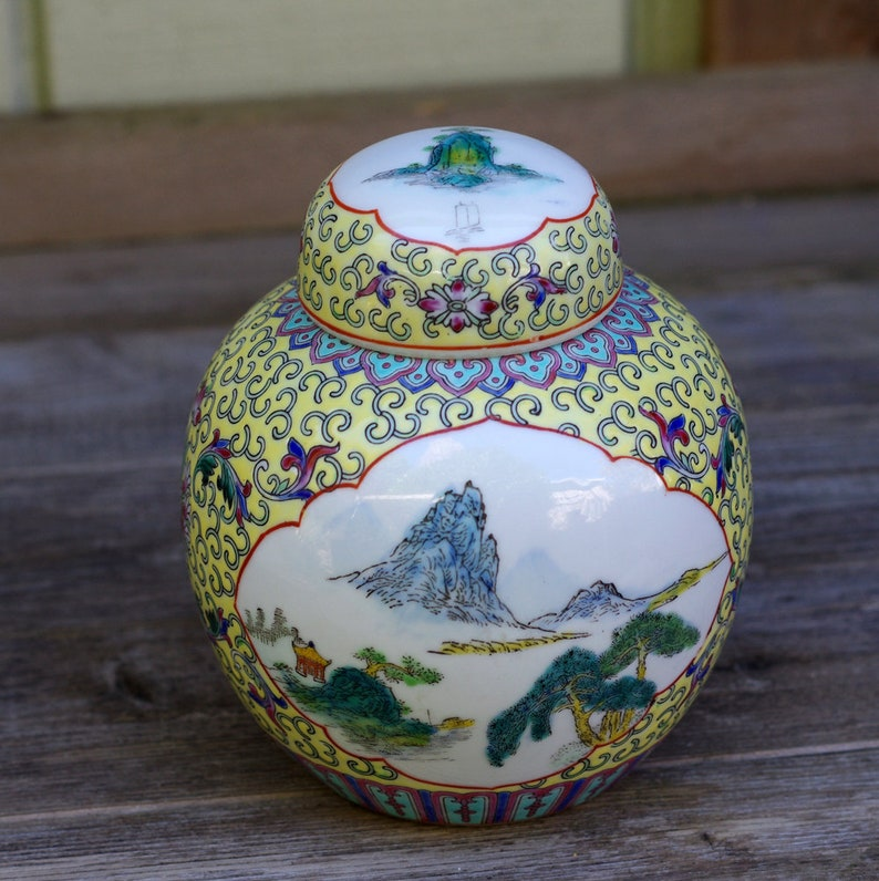 Signed Famile Rose In Short Supply Beautiful Hand Painted Antique Chinese Vase