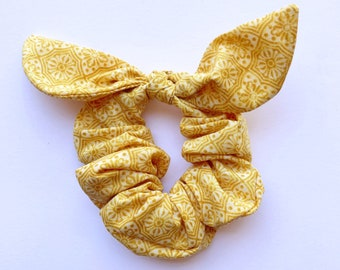 Sunny Yellow Floral Tie Scrunchie, Hair Scrunchie with tie, Hair ties, Hair accessory