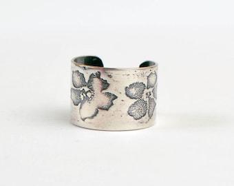 Sterling silver flower earcuff, oxidised floral earcuff, embossed earcuff