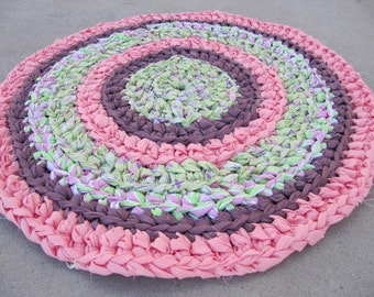 Pink lime circle crocheted rag rug, eco friendly, washable, bath mat, durable, kitchen rug, home decor, shabby chic, cottage rug