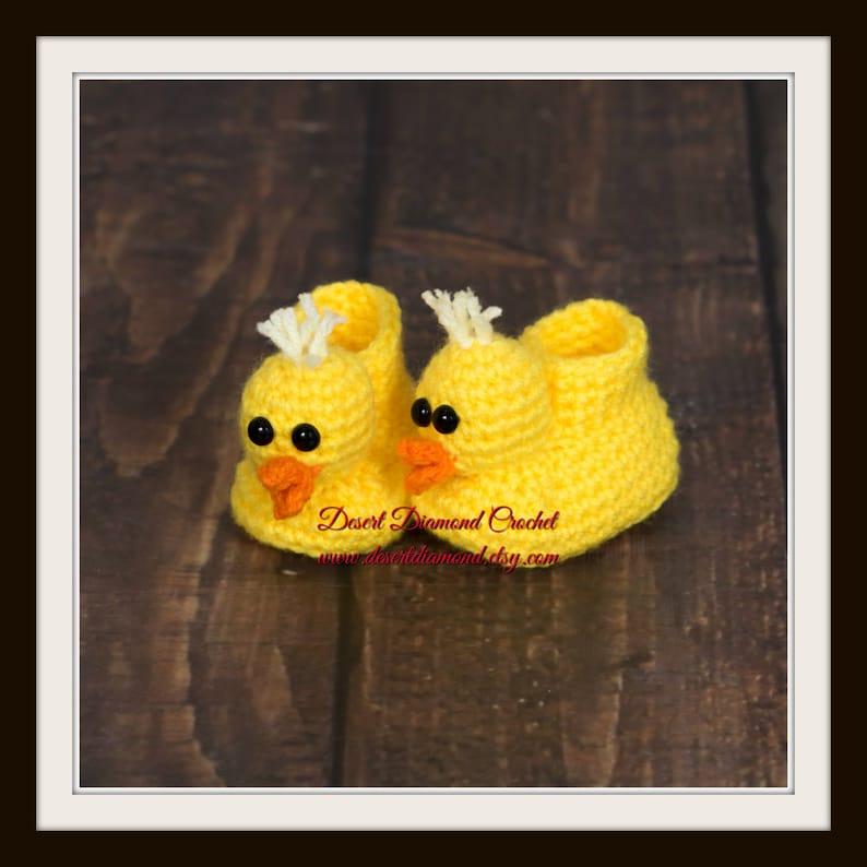 Crochet Pattern 016  Duckie Animal Baby Booties image 0