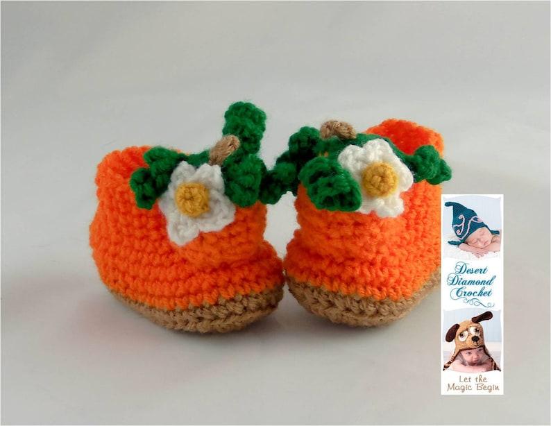 Crochet Pattern 088  Pumpkin Baby Booties  5 Sizes image 0
