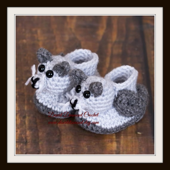 Crochet Pattern 120 - Kitty Cat Baby Booties - 5 Sizes