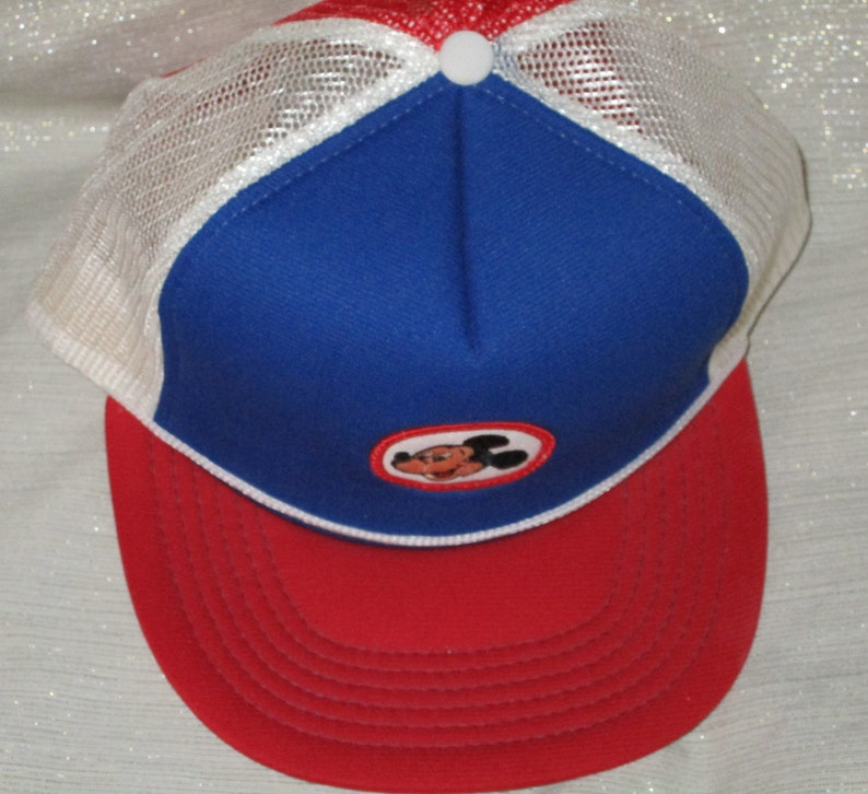 3d944c0d6657 VINTAGE MICKEY MOUSE DISNEY trucker mesh basebaLl rED cap hat