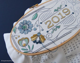 2019 Calendar embroidery kit with matching floss and instructions available in Four Colors, DIY Fabric Calendar Panel 2019 calendar