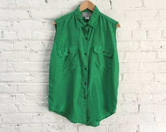 vintage emerald green silk blouse / sleeveless green button up collared silk shirt / silky safari top