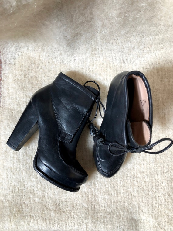 vintage DKNY boots / black leather chunky heel boo