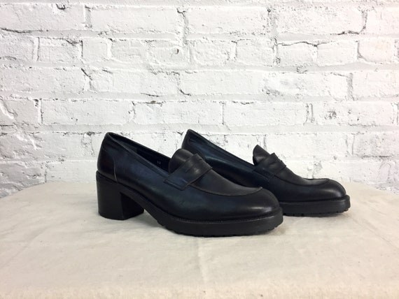 993470b0ee7b4 vintage 90s smooth leather platform penny loafer heels / chunky lug sole  moc toe penny loafers