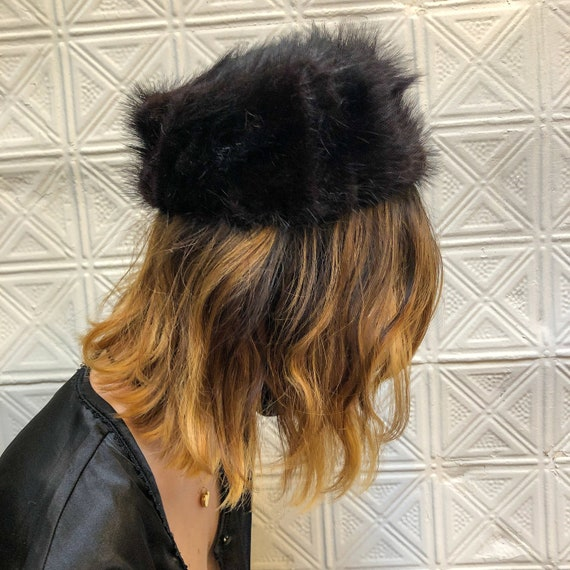 vintage fur pillbox hat / 60s mod fur winter hat