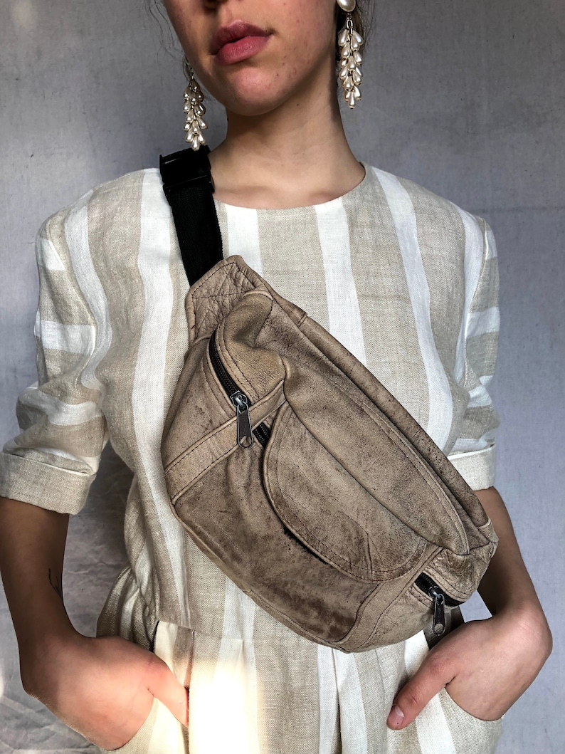 05f4ecc9c42 vintage beige large leather fanny pack / 1980s carryall bag / festival  waist bag / money belt hip bag / bum bag