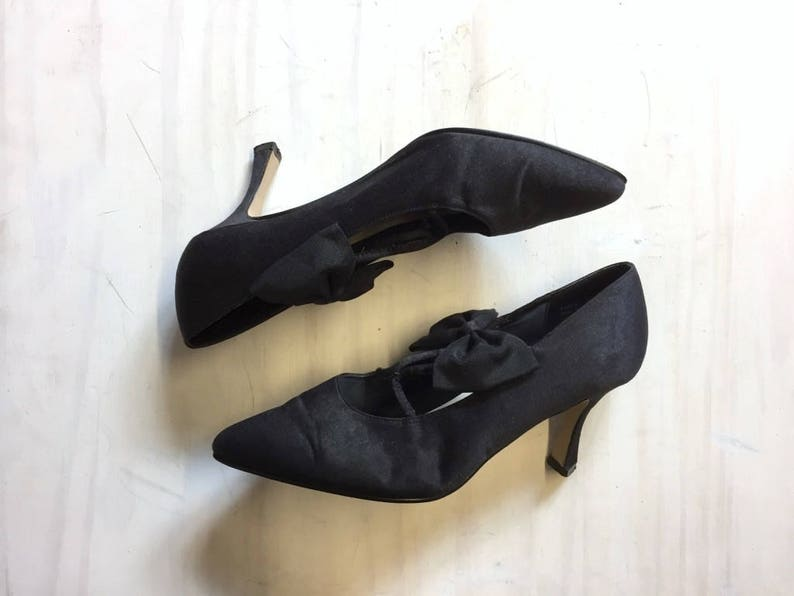 vintage black bow cocktail party pumps  black bow heels
