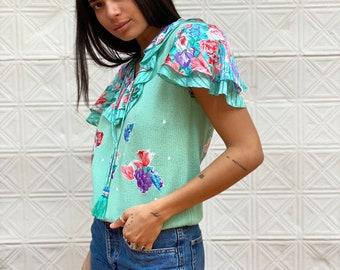 vintage Diane Freis flutter sleeve top / short sleeve sweater chintz floral ruffle sleeve blouse