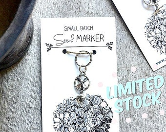 Fan stitch marker, 10 mm snag free round or removable.