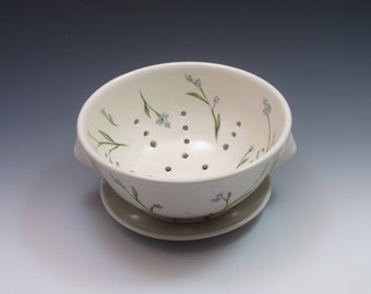 Berry bowl colander with plate, Porcelain with forget-me-not design