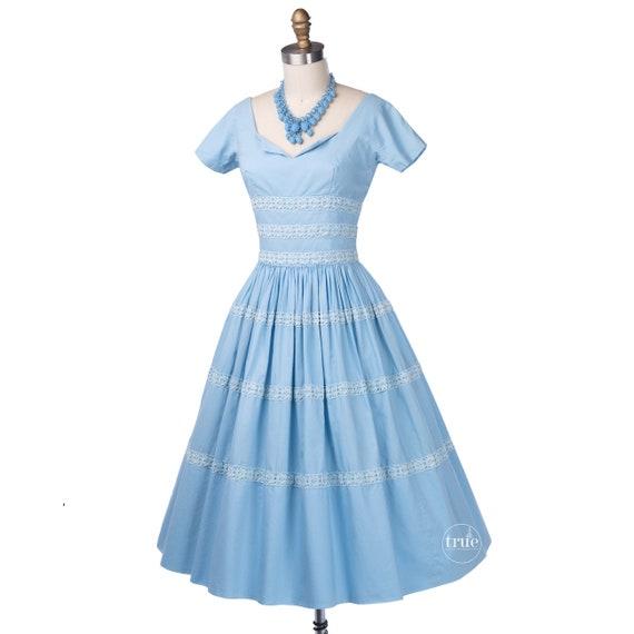 vintage 1950's dress ...pretty blue cotton Gigi Y… - image 2