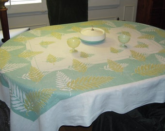 Vintage Tablecloth Gorgeous Green Leaves