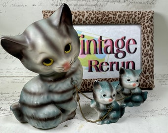 Vintage mama cat and kittens ceramic chained together 1960's figurine