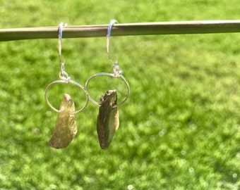 PetitRock, Small and cute dangling stone earrings