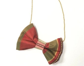 MeToo Necklace - NBowRd3 - Bow Tie Necklace Upholstery Fabric in red and green. Unique.