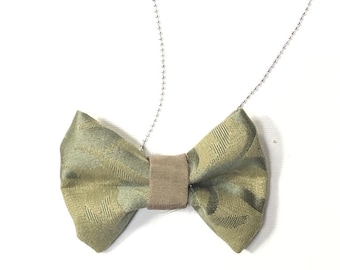 MeToo Necklace - NBowGrn5 - Bow Tie Necklace Upholstery Fabric in green. Unique.
