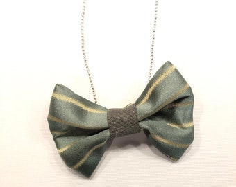 MeToo Necklace - NBowGrn9 - Bow Tie Necklace Upholstery Fabric in green and beige. Unique.