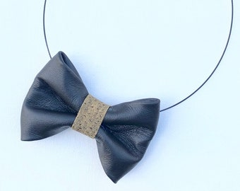 MeToo Necklace - NBowBlck12L - Bow Tie Necklace in black leather and golden knot. Unique.