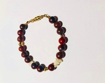 Wine & Cheese-BBrgndy1. Jasper and quartz beads bracelet. Magnetic clasp.