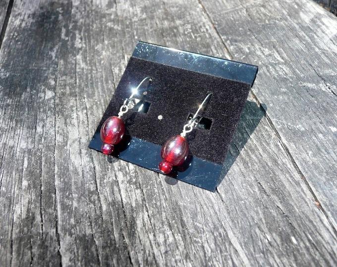 Iris. Simple red glass beads earrings